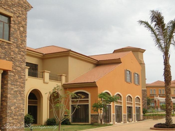se uma vivenda no condominio jardim de rosas – Kilamba Kiaxi (Luanda